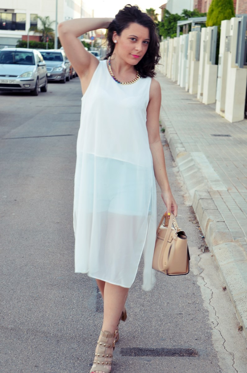 Blusa larga y shorts Outfit Mi vestidoazul Fashion blogger Friendsfluencers (10)