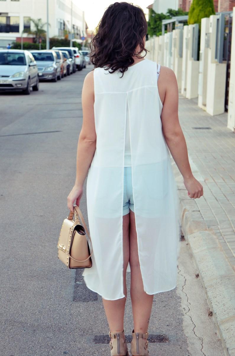 Blusa larga y shorts Outfit Mi vestidoazul Fashion blogger Friendsfluencers (11)