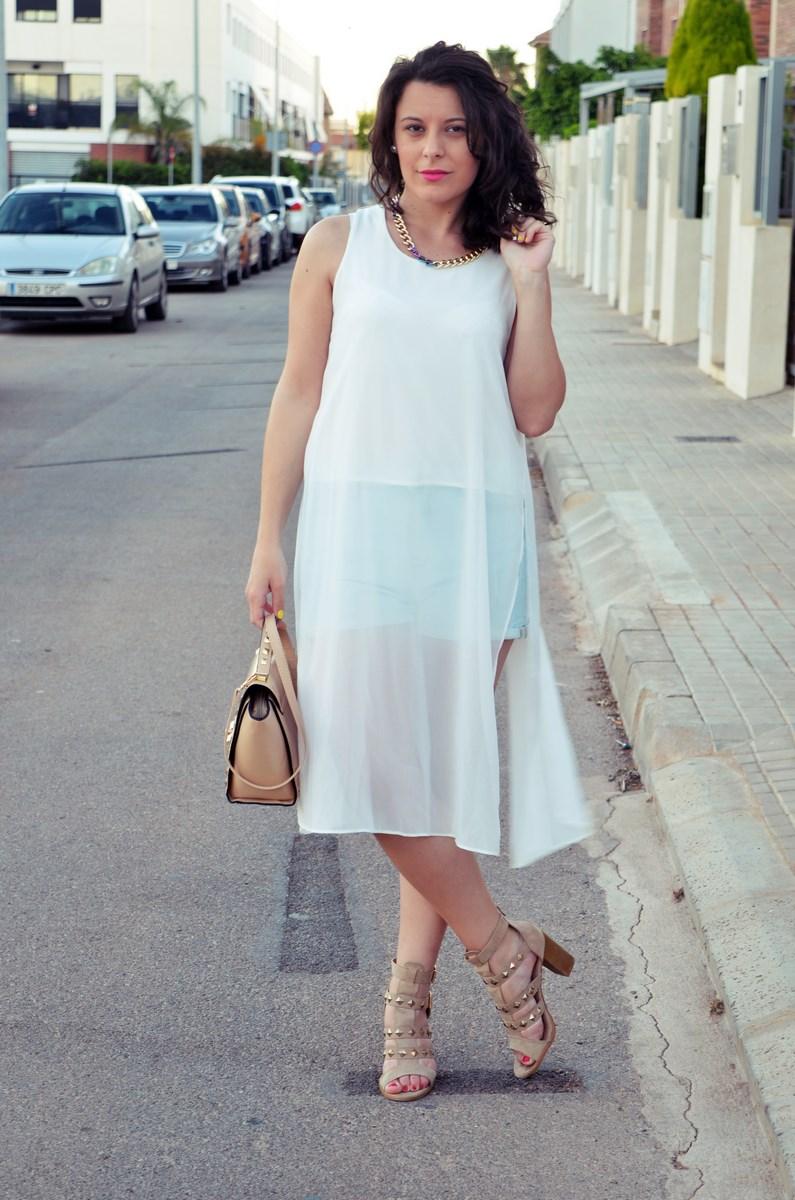 Blusa larga y shorts Outfit Mi vestidoazul Fashion blogger Friendsfluencers (12)