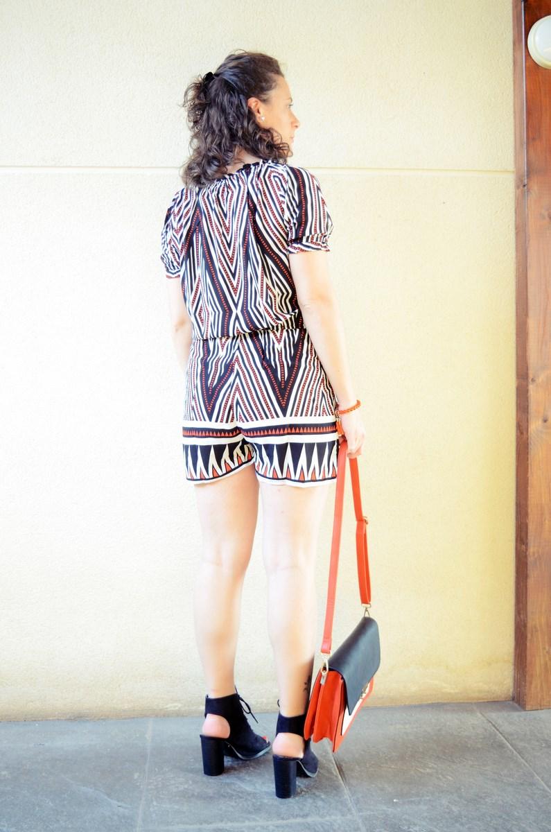 Mono corto_naranja, blanco y negro _outfit_mivestidoazul (11)