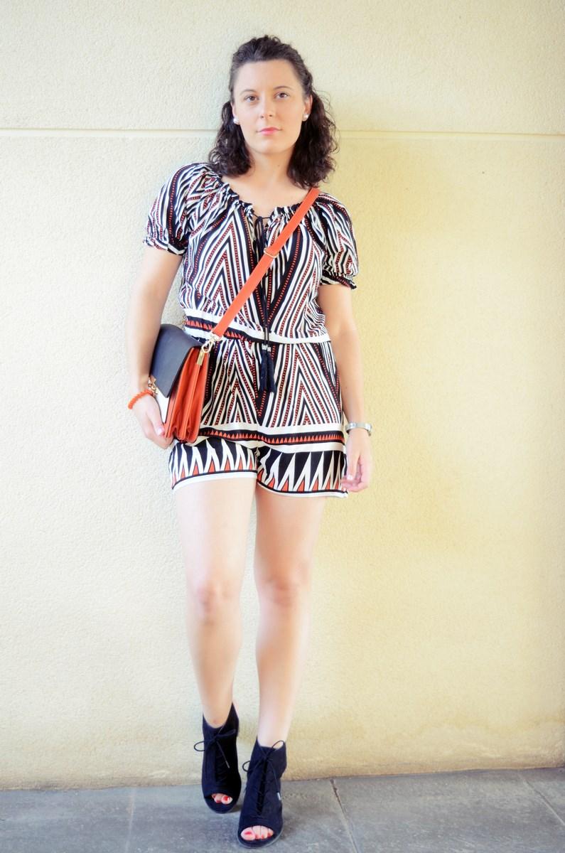 Mono corto_naranja, blanco y negro _outfit_mivestidoazul (8)