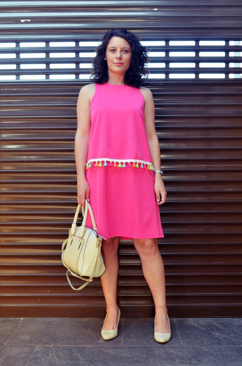 Vestido fucsia con borlas de colores_Outfit_Mivestidoazul (2)