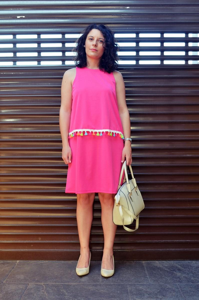Vestido fucsia con borlas de colores_Outfit_Mivestidoazul (5)