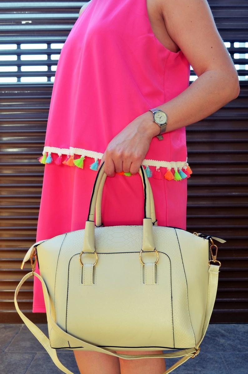 Vestido fucsia con borlas de colores_Outfit_Mivestidoazul (6)