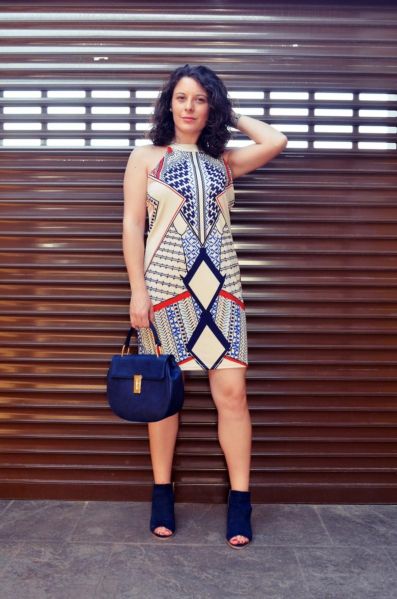 Vestido geométrico escote halter_outfits_fashionblog_mivestidoazul (3)