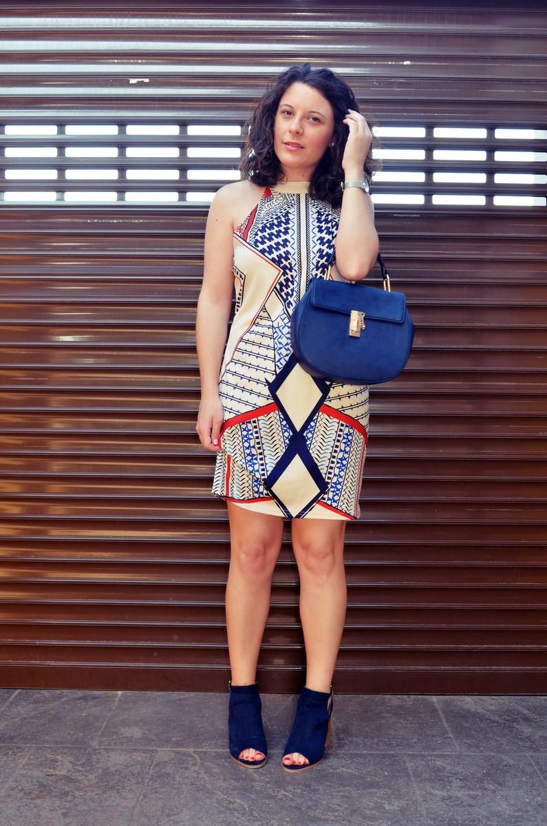 Vestido geométrico escote halter_outfits_fashionblog_mivestidoazul (7)