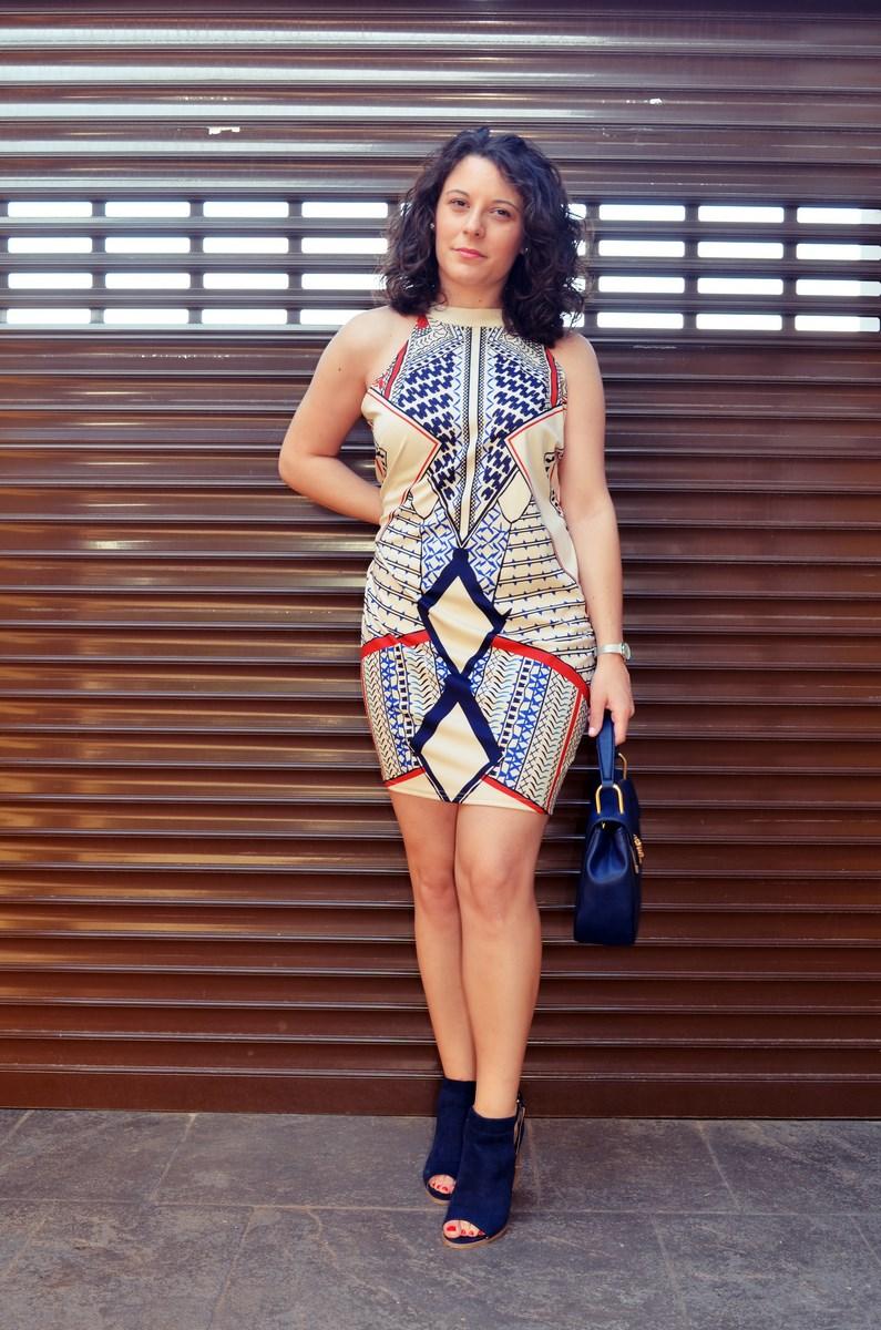 Vestido geométrico escote halter_outfits_fashionblog_mivestidoazul (9)