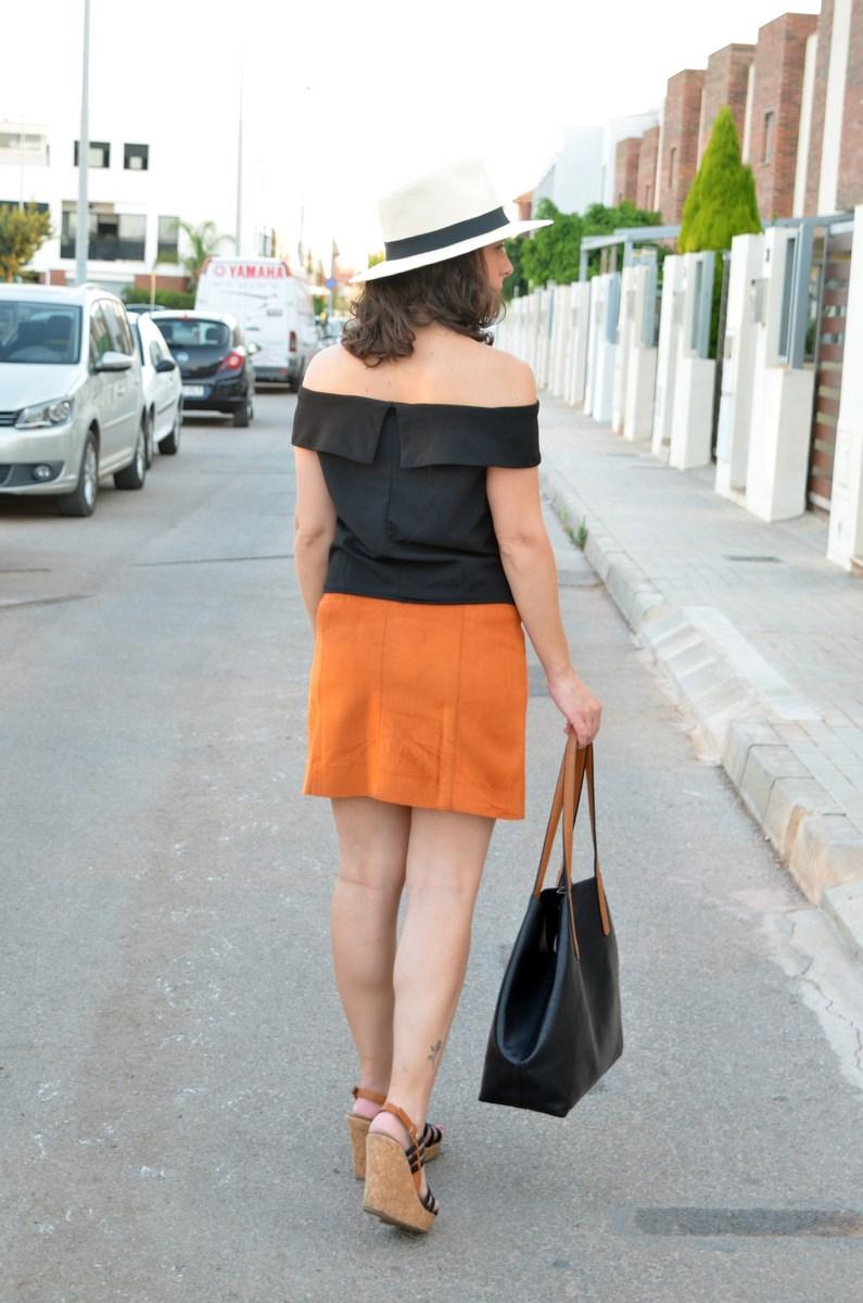Falda abotonada y top escote bardot_look_mivestidoazul (5)
