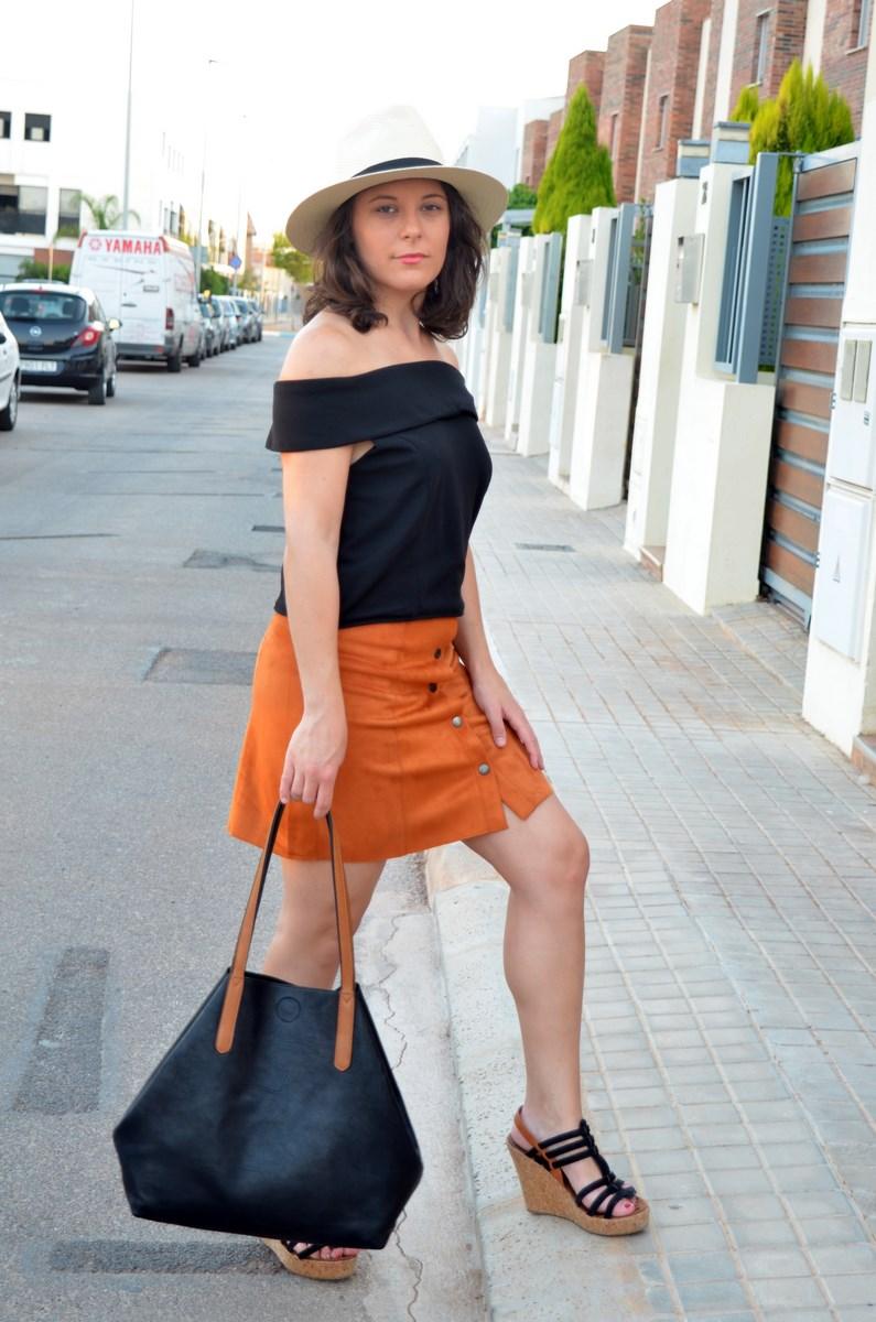 Falda abotonada y top escote bardot_look_mivestidoazul (6)