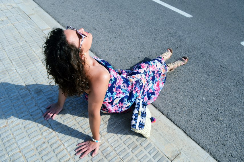 Maxi vestido de flores y clutch de Kbas_look_mivestidoazul (10)