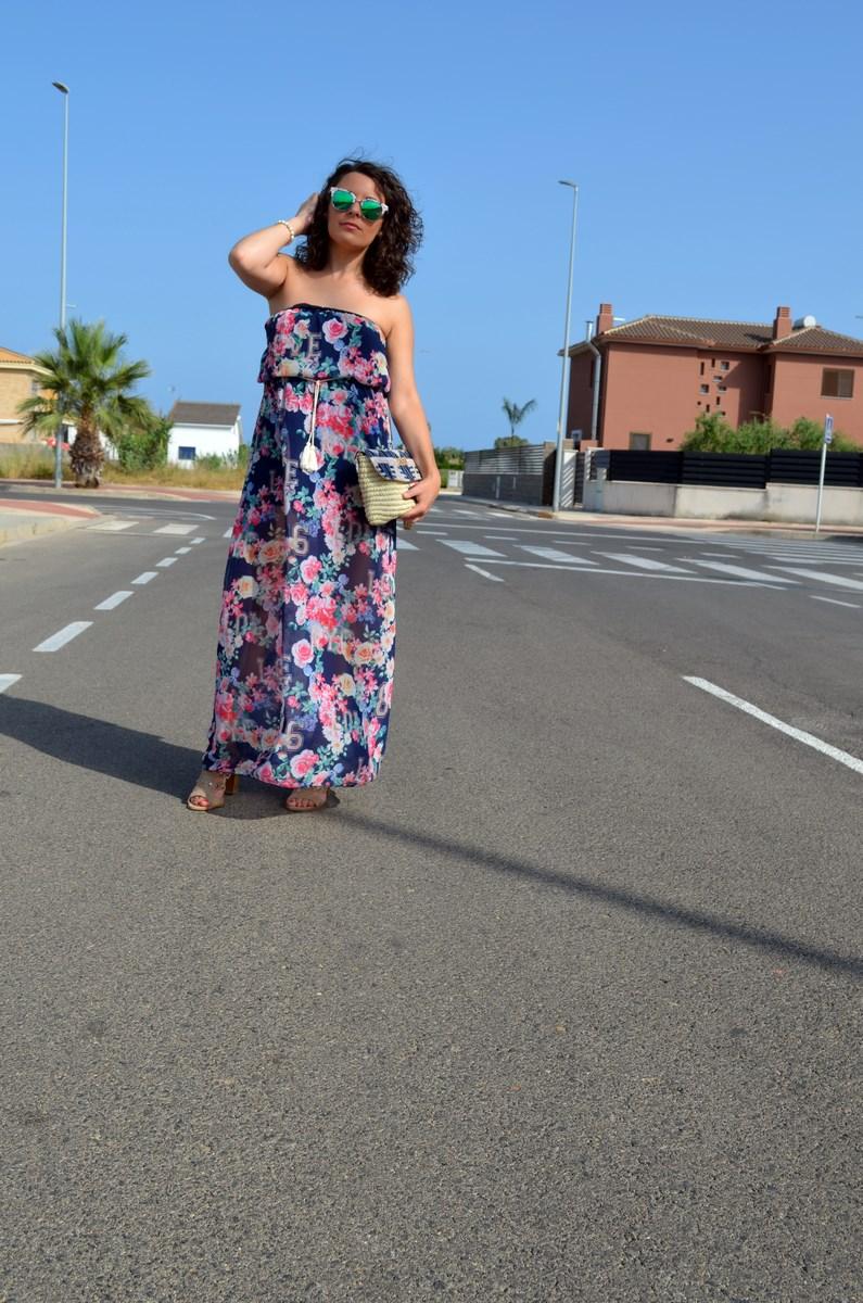 Maxi vestido de flores y clutch de Kbas_look_mivestidoazul (7)