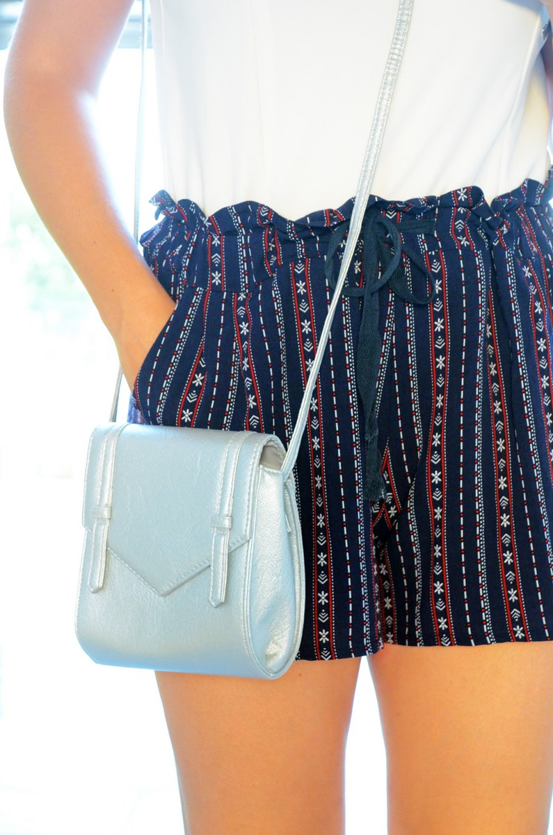 Shorts estampado y top bardot look outfit mivestidoazul.com streetstyle friendsfluencers (8)
