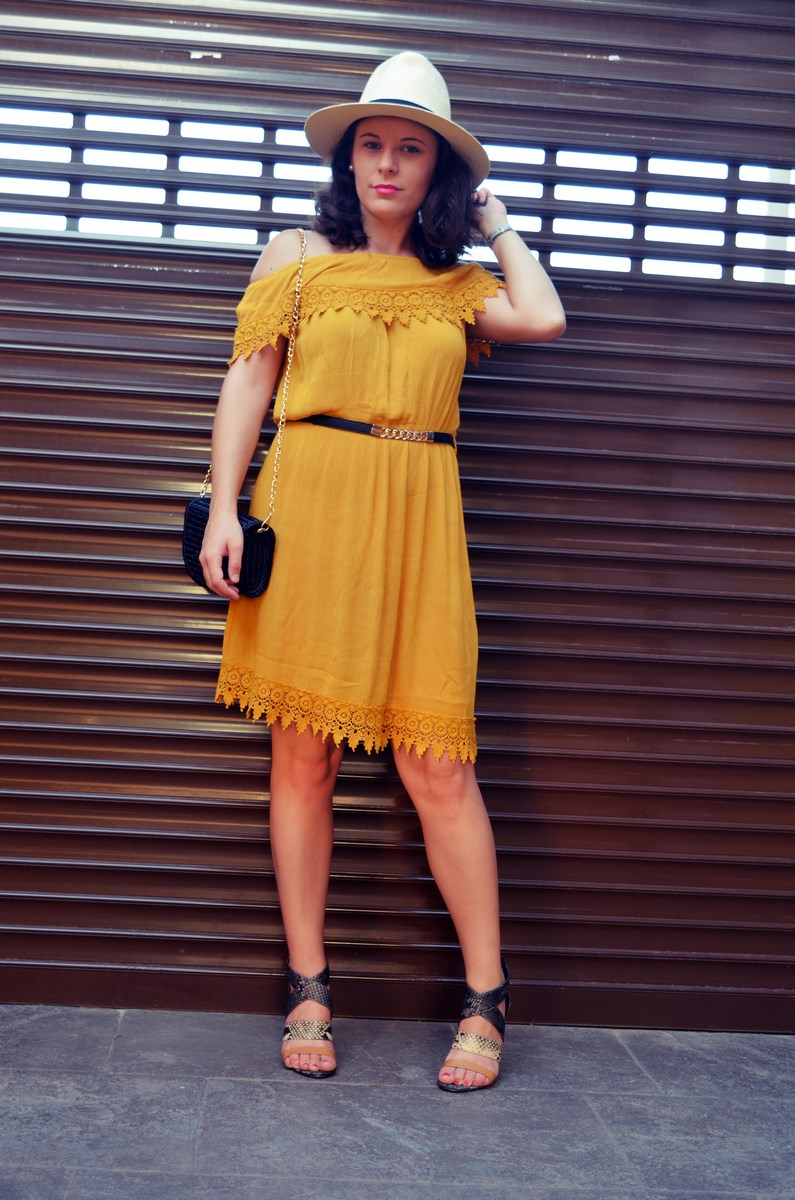 Vestido mostaza crochet look streetstyle fashion blogger mi vestido azul friendsfluencers (7)
