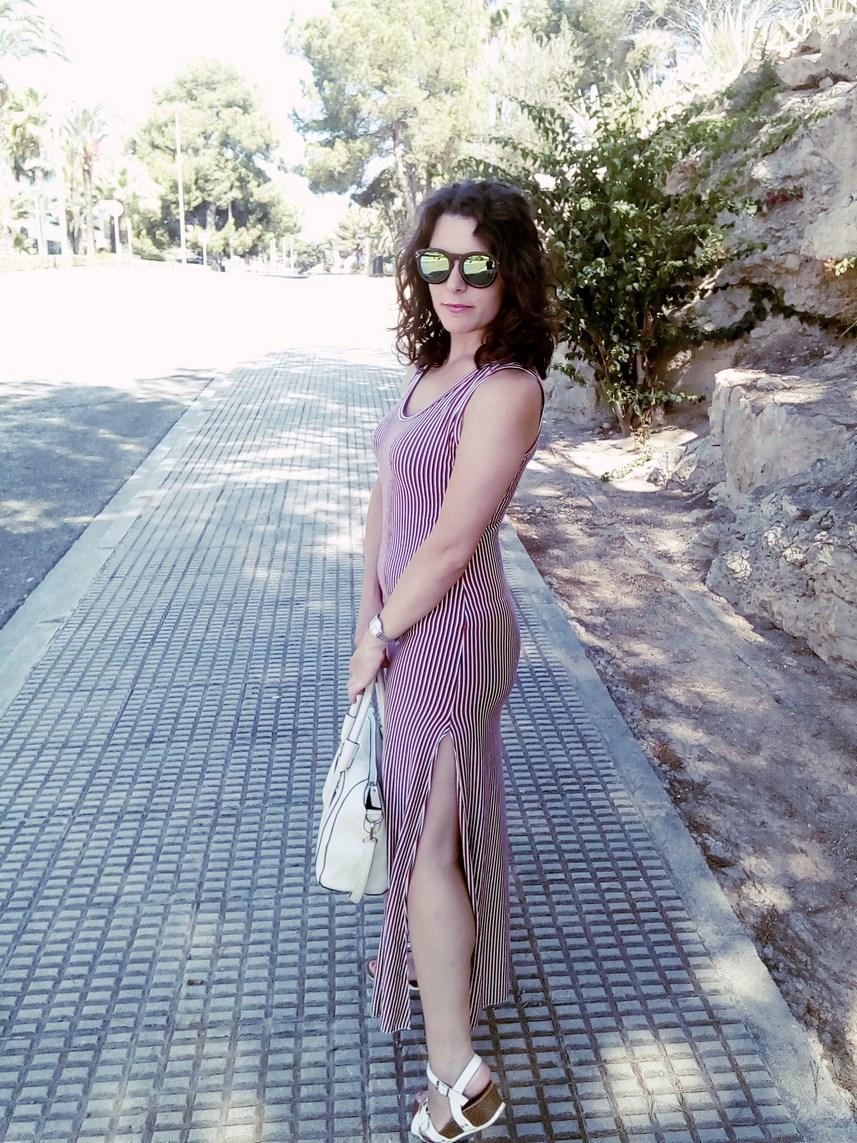 Maxi vestido con oberturas laterales _estampado rayas_ look_outfit_verano_mivestidoazul (3)