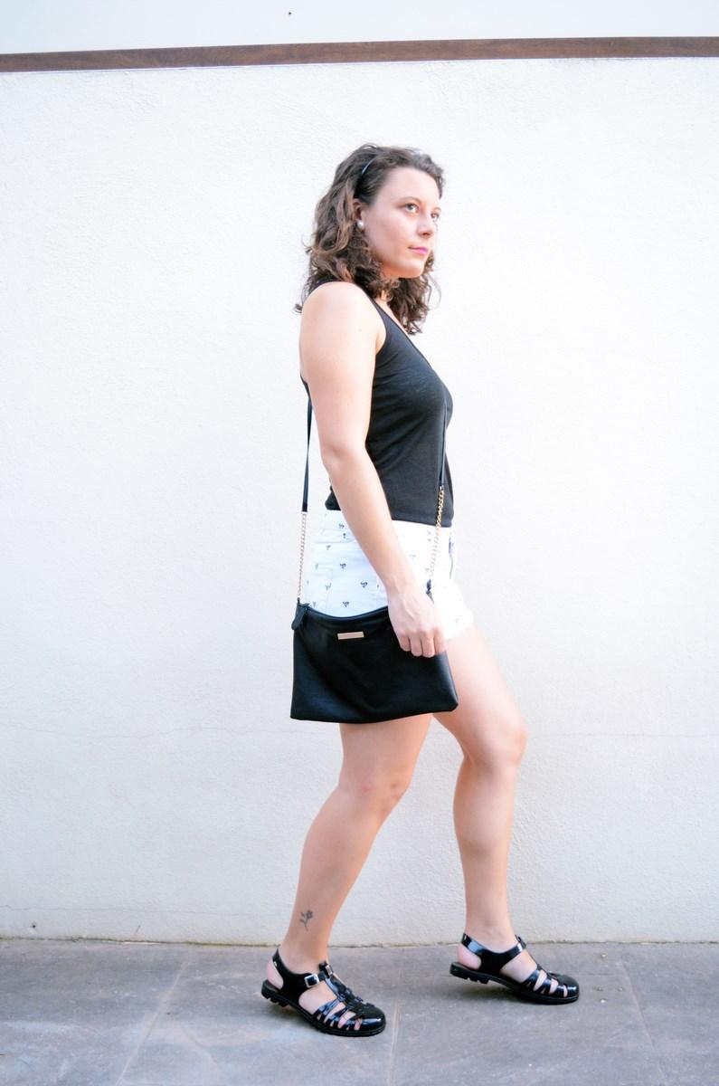 Shorts corazones_moda_streetstyle_look_fashionblogger_friendsfluencers_bloggercastellon_influencer_mivestidoazul (10)