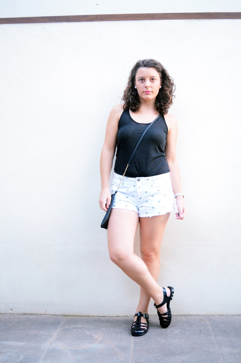 Shorts corazones_moda_streetstyle_look_fashionblogger_friendsfluencers_bloggercastellon_influencer_mivestidoazul (11)