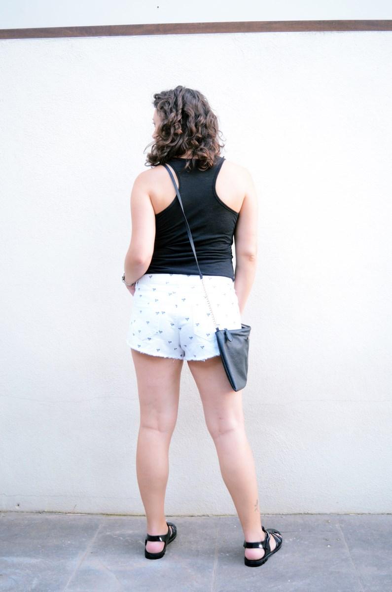 Shorts corazones_moda_streetstyle_look_fashionblogger_friendsfluencers_bloggercastellon_influencer_mivestidoazul (12)