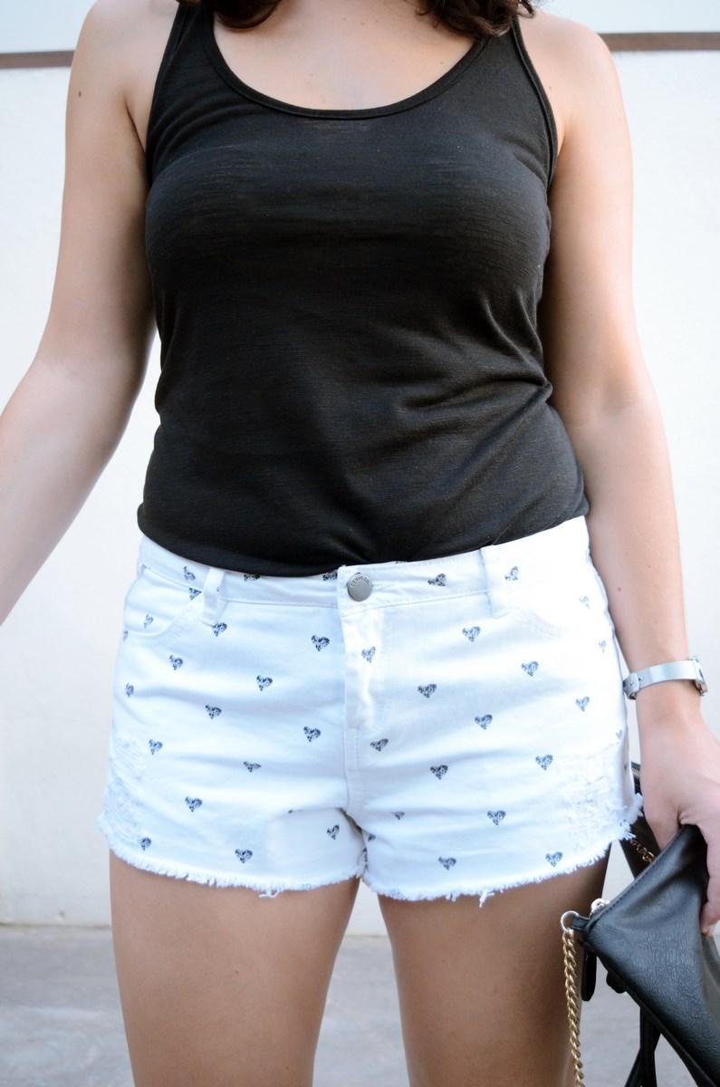 Shorts corazones_moda_streetstyle_look_fashionblogger_friendsfluencers_bloggercastellon_influencer_mivestidoazul (15)