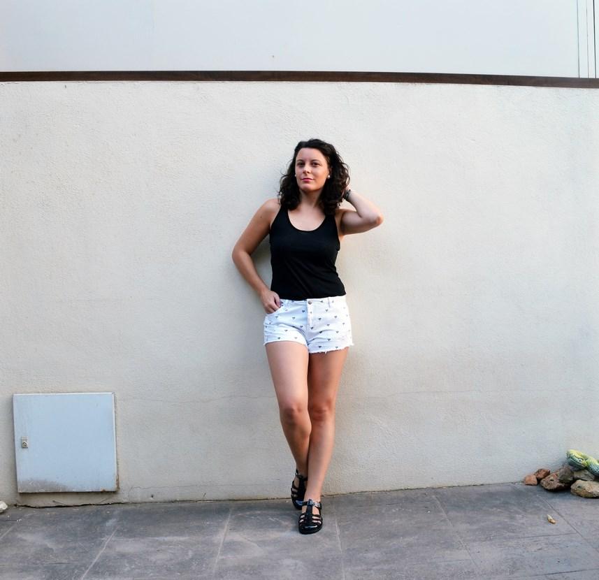 Shorts corazones_moda_streetstyle_look_fashionblogger_friendsfluencers_bloggercastellon_influencer_mivestidoazul (2)