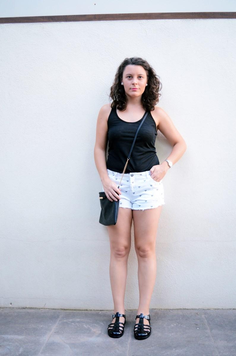 Shorts corazones_moda_streetstyle_look_fashionblogger_friendsfluencers_bloggercastellon_influencer_mivestidoazul (6)