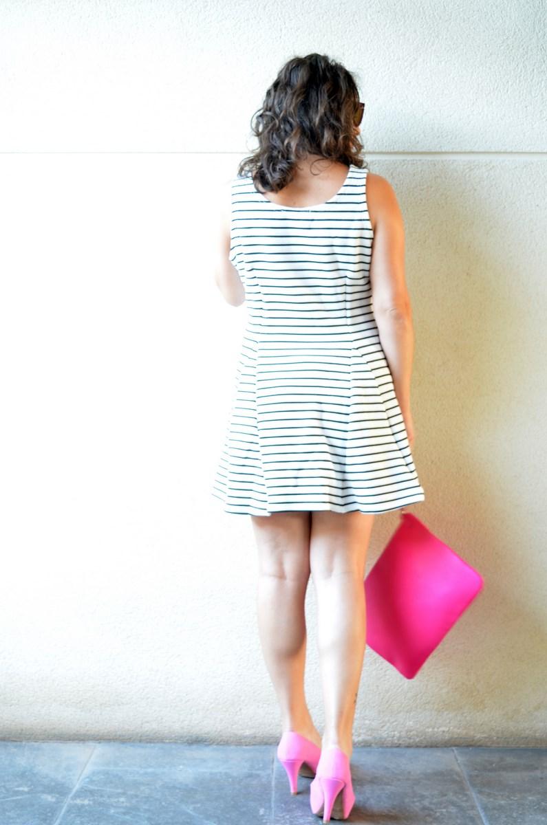 Vestido de rayas y complementos fuscia_look_mivestidoazul (12)