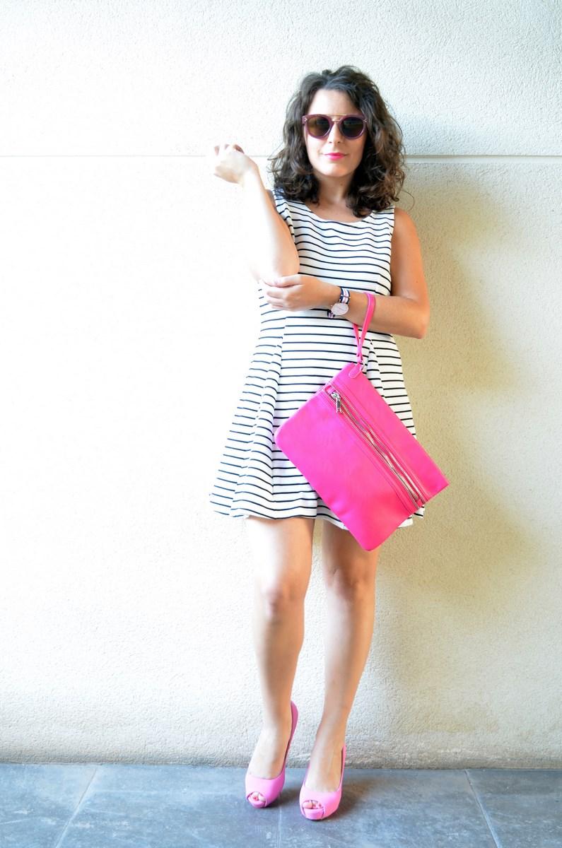 Vestido de rayas y complementos fuscia_look_mivestidoazul (7)