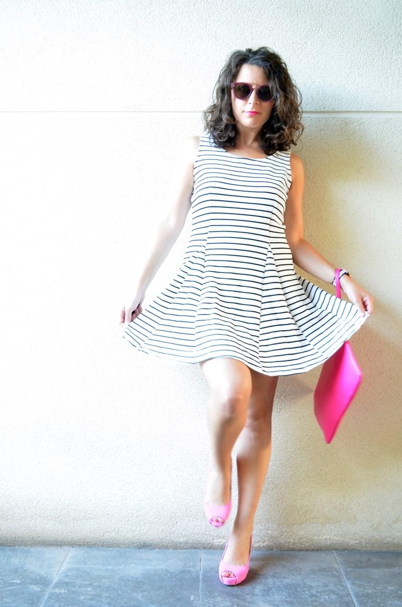 Vestido de rayas y complementos fuscia_look_mivestidoazul (9)