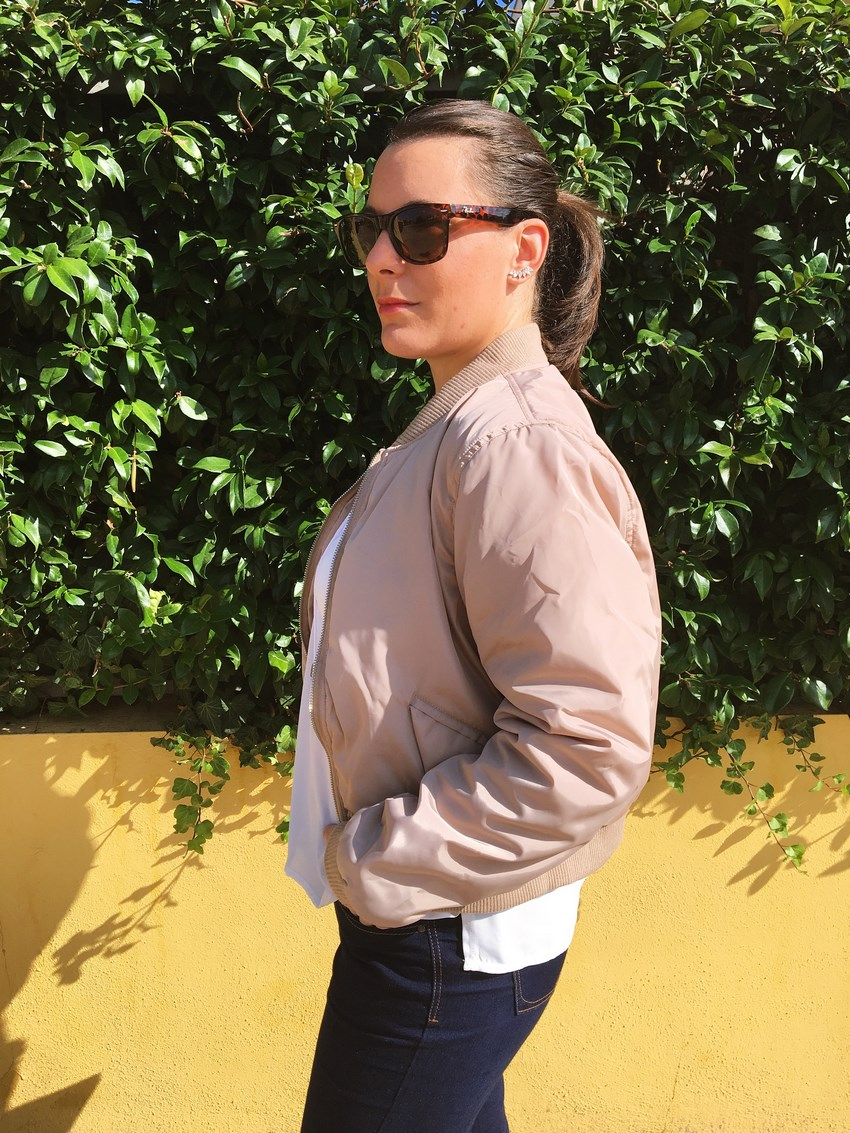 look_bomber_y_ccamiseta_cordones_streetstyle_fashionblogger_blogdemoda_castellon_mivestidoazul-11