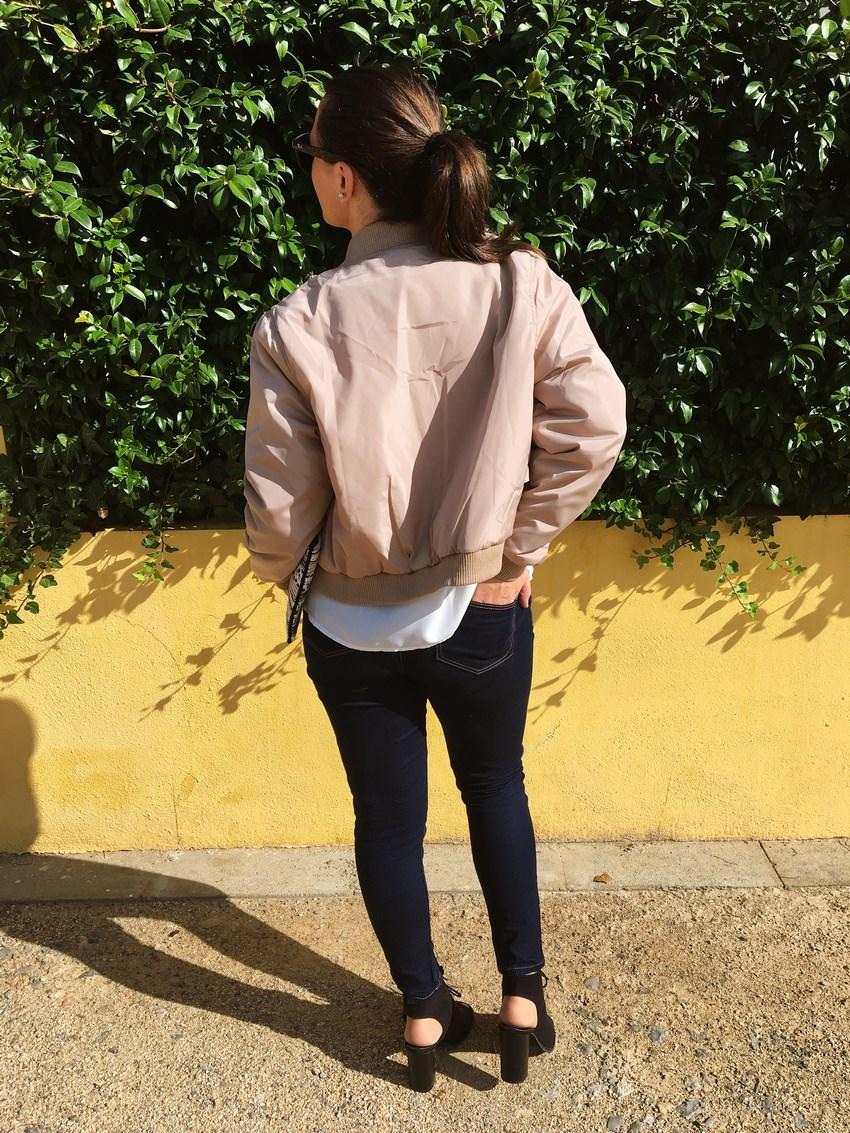 look_bomber_y_ccamiseta_cordones_streetstyle_fashionblogger_blogdemoda_castellon_mivestidoazul-9