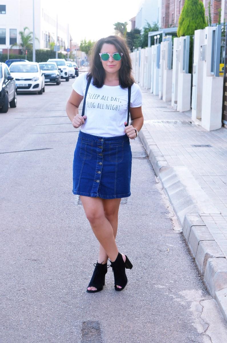look_falda_denim_abotonada_streetstyle_mivestidoazul-11