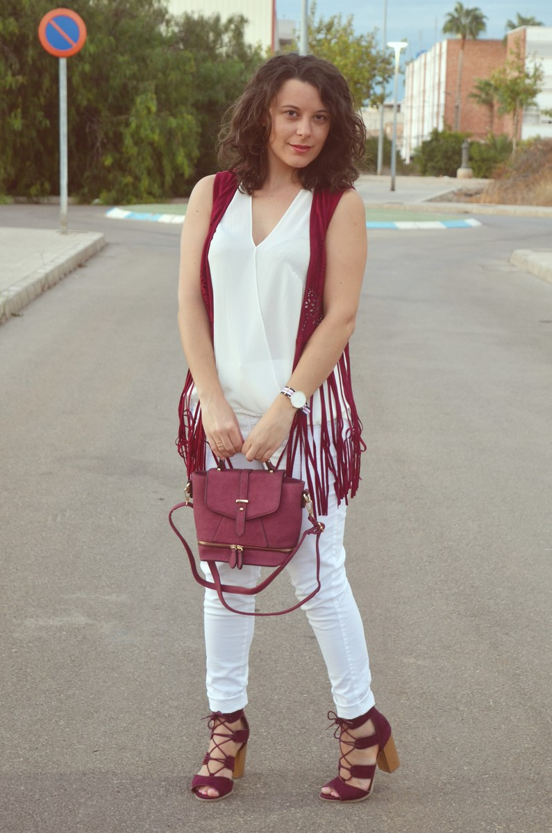 look_blanco_y_burdeos_summer_2016_streetstyle_fashionblogger_mivestidoazul-2