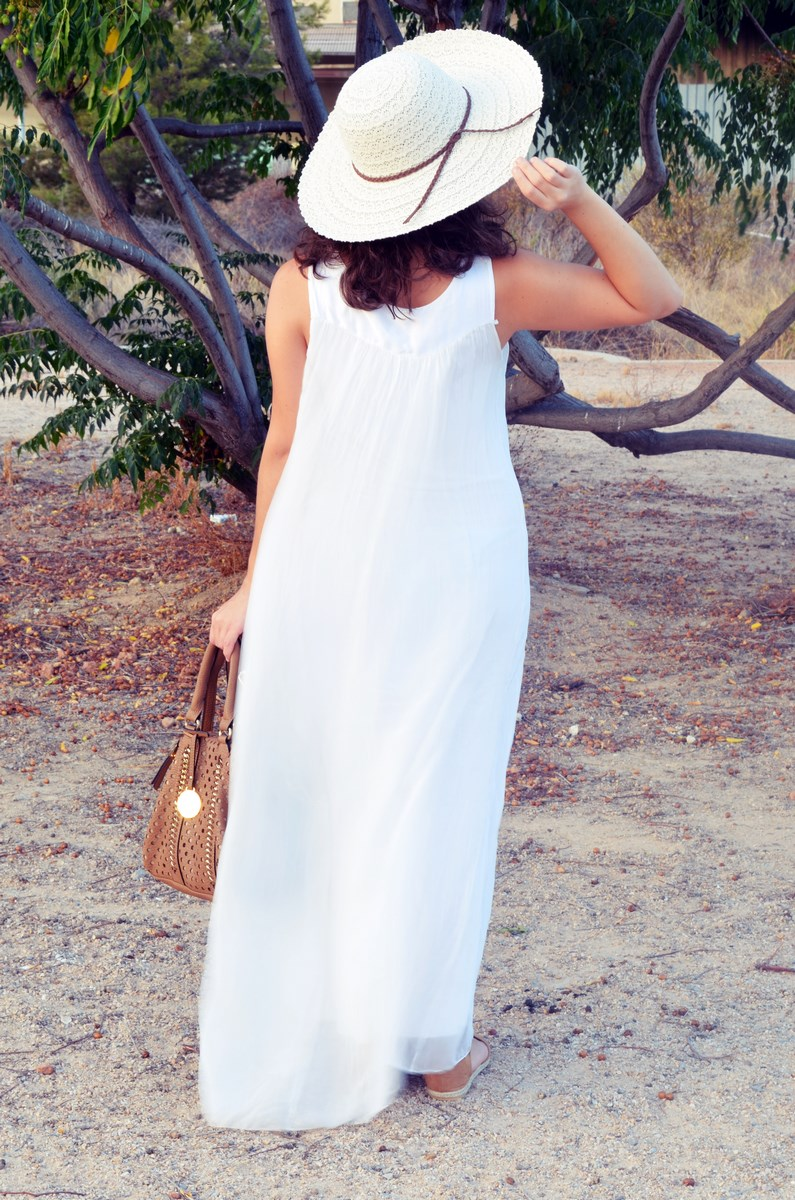 Vestido largo blanco de seda_streetstyle_bloggerscastellon_fashionblogger_mivestidoazul (5)