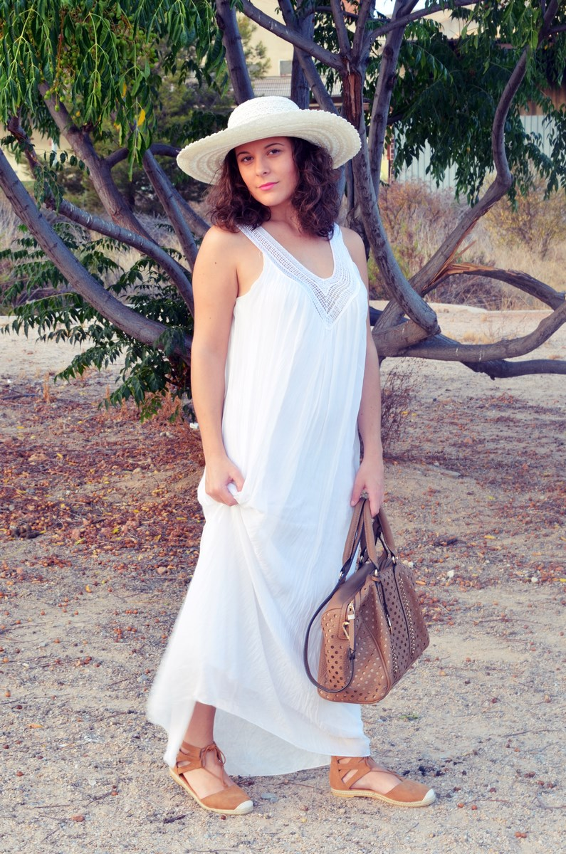 Vestido largo blanco de seda_streetstyle_bloggerscastellon_fashionblogger_mivestidoazul (8)