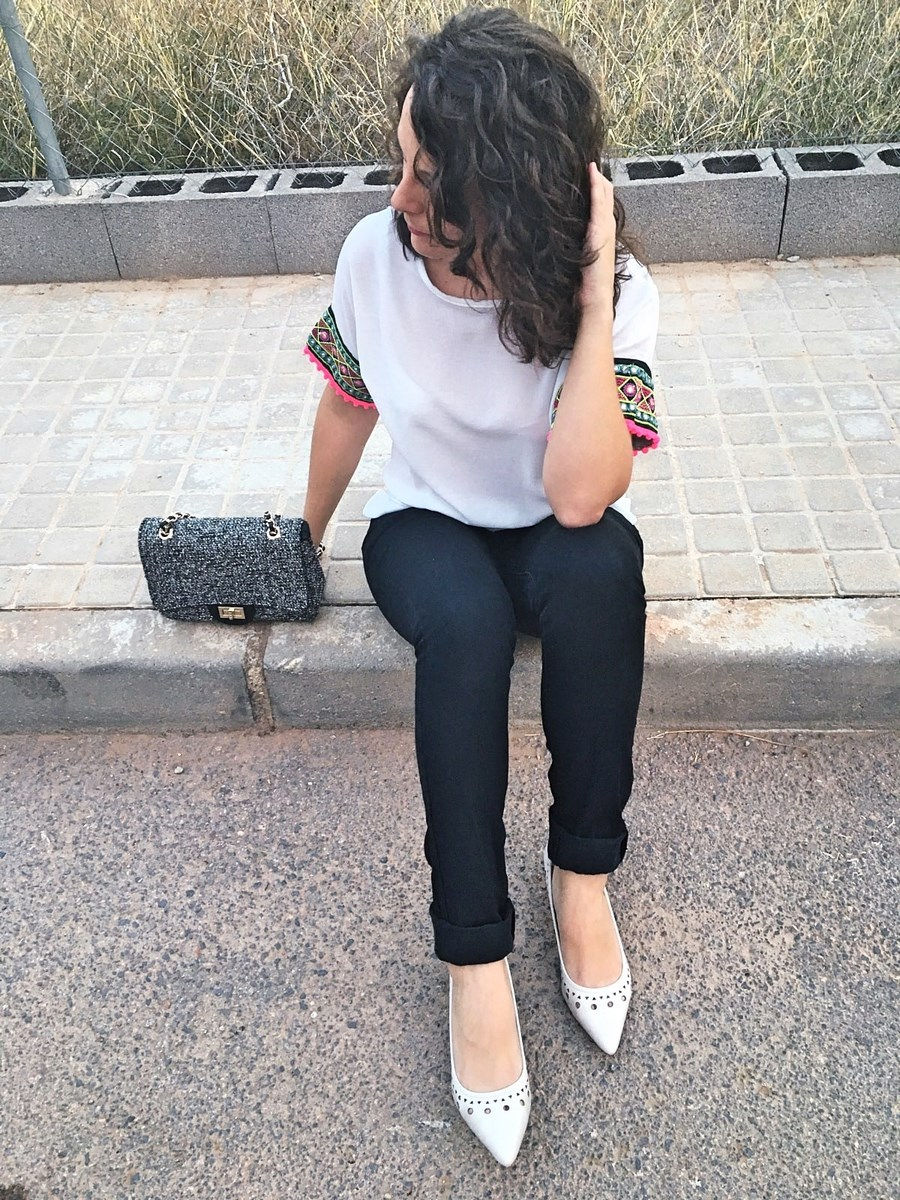look_camisetadetallemangas_streetstyle_fashionblogger_blogdemoda_castellon_friendsfluencers_influencer_fashionista-8