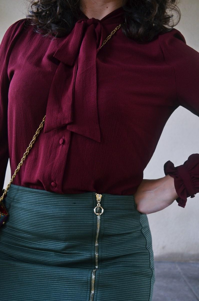 look_burdeosycaqui_streetstyle_outfit_fashionblogger_mivestidoazul-11