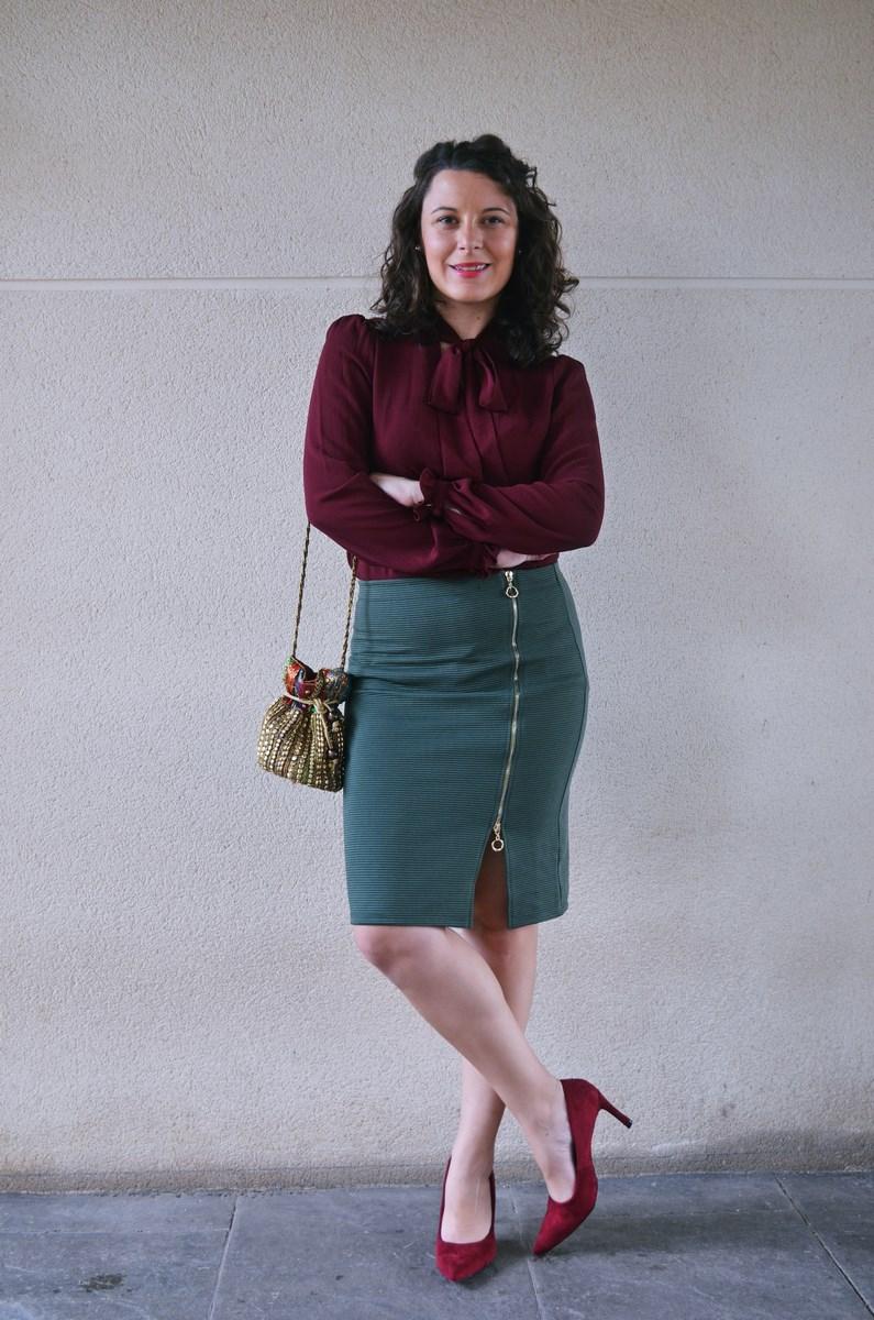 look_burdeosycaqui_streetstyle_outfit_fashionblogger_mivestidoazul-3