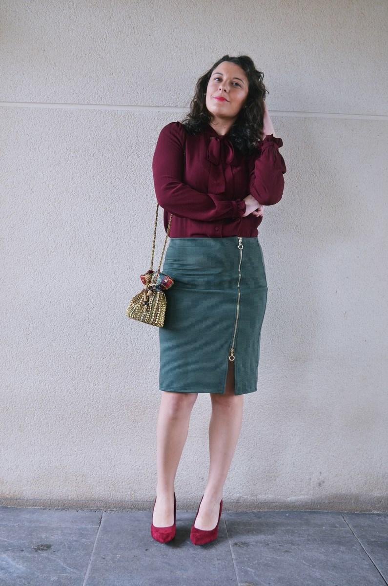 look_burdeosycaqui_streetstyle_outfit_fashionblogger_mivestidoazul-4
