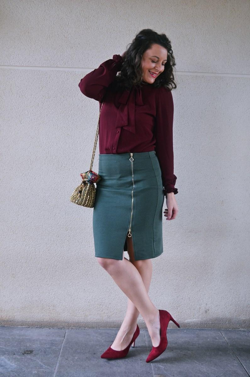 look_burdeosycaqui_streetstyle_outfit_fashionblogger_mivestidoazul-7