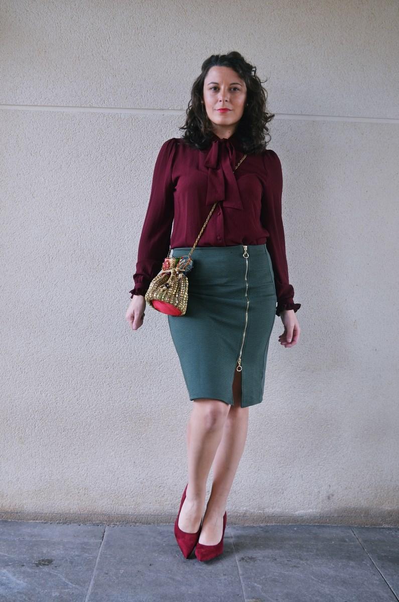 look_burdeosycaqui_streetstyle_outfit_fashionblogger_mivestidoazul-9