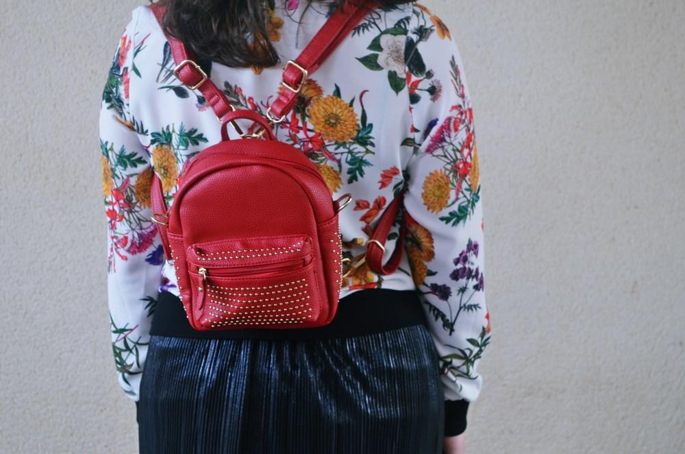 look_bomberconflores_streetstyle_sportychic_fashionblogger_mivestidoazul-3