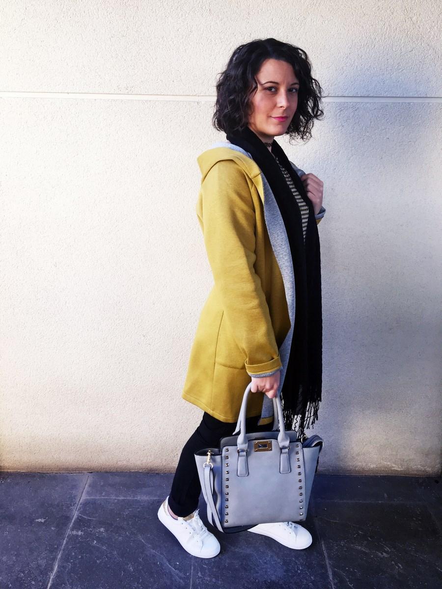 look_streetstyle_chaquetaamarilla_mivestidoazul_blogdemoda_castellon_fashionblogger_influencer_itgirl_outfit_spain-2
