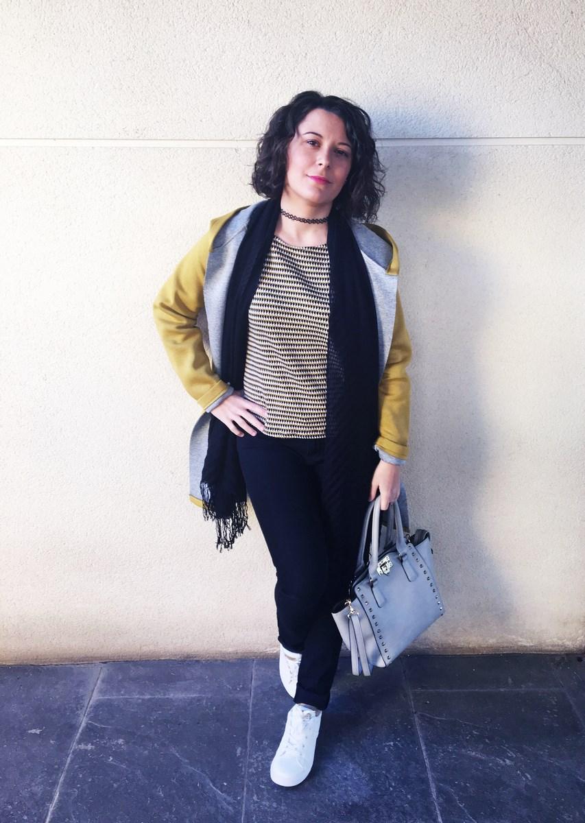 look_streetstyle_chaquetaamarilla_mivestidoazul_blogdemoda_castellon_fashionblogger_influencer_itgirl_outfit_spain-5