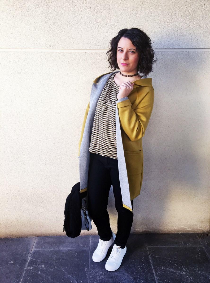 look_streetstyle_chaquetaamarilla_mivestidoazul_blogdemoda_castellon_fashionblogger_influencer_itgirl_outfit_spain-8
