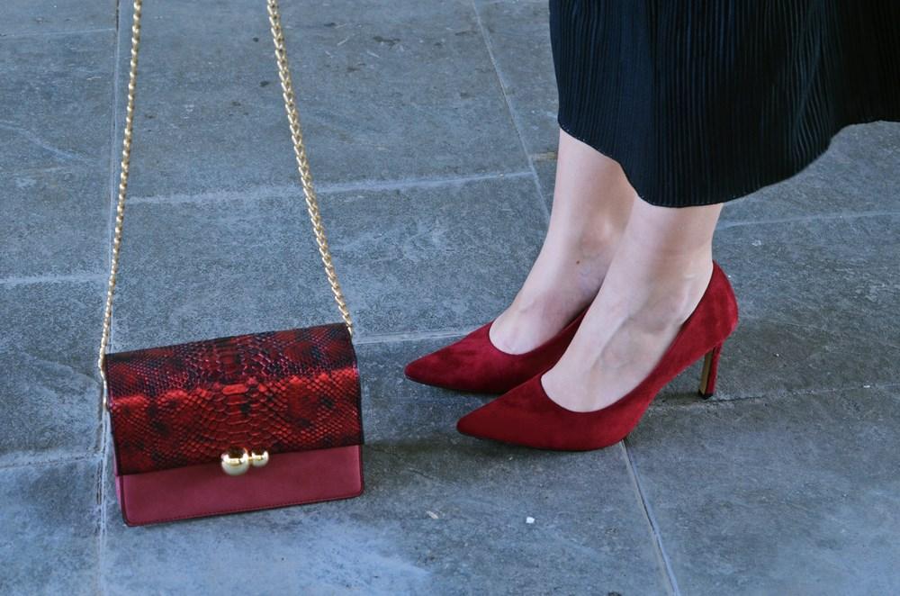 look_topdeterciopelo_burdeos_fashionblogger_streetstyle_mivestidoazul-14