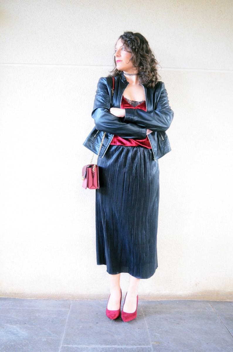 look_topdeterciopelo_burdeos_fashionblogger_streetstyle_mivestidoazul-2