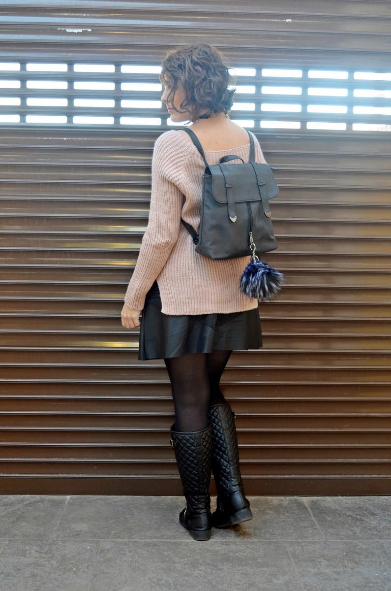 look_faldapolipieljerseyparches_streetstyle_fashionblogger_influencer_blogdemoda_castellon_valencia_mivestidoazul_itgirl-3