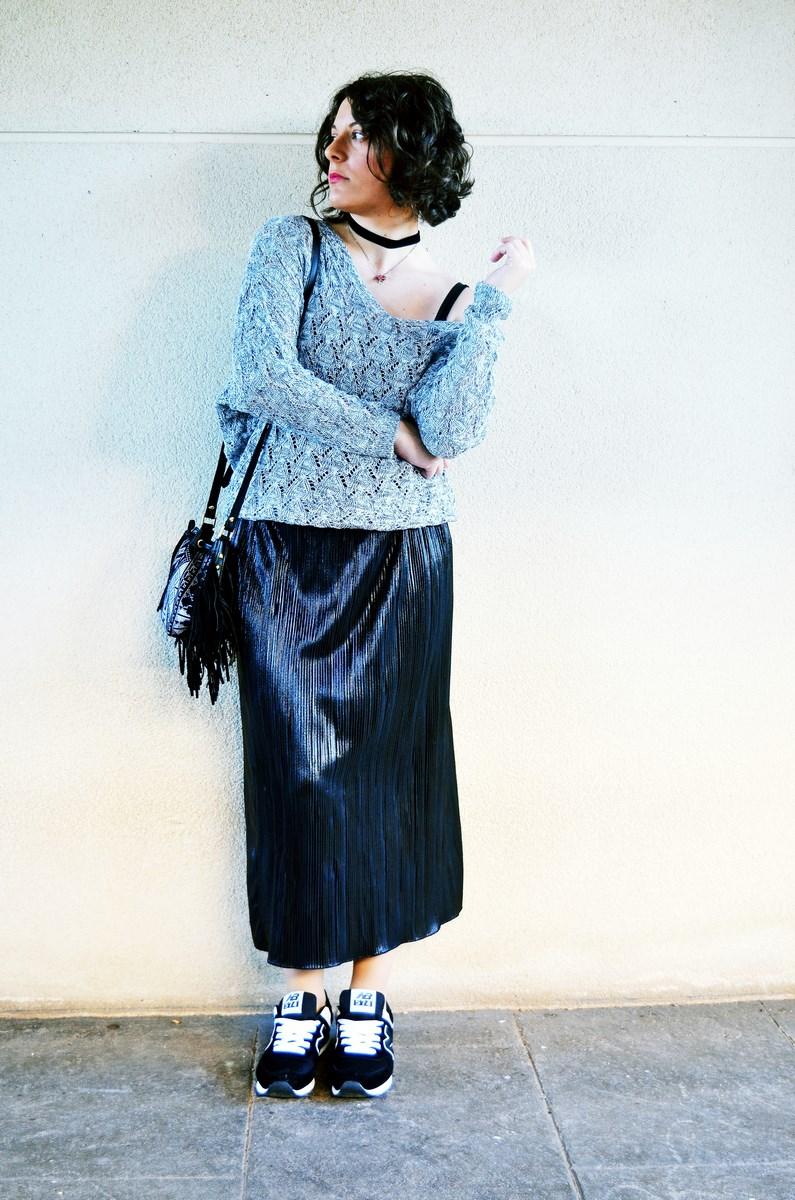 look_faldaplisadametalizadayzapatillas_streetstyle_mivestidoazul_fashionblogger_blogdemoda_castellon_influencer-2