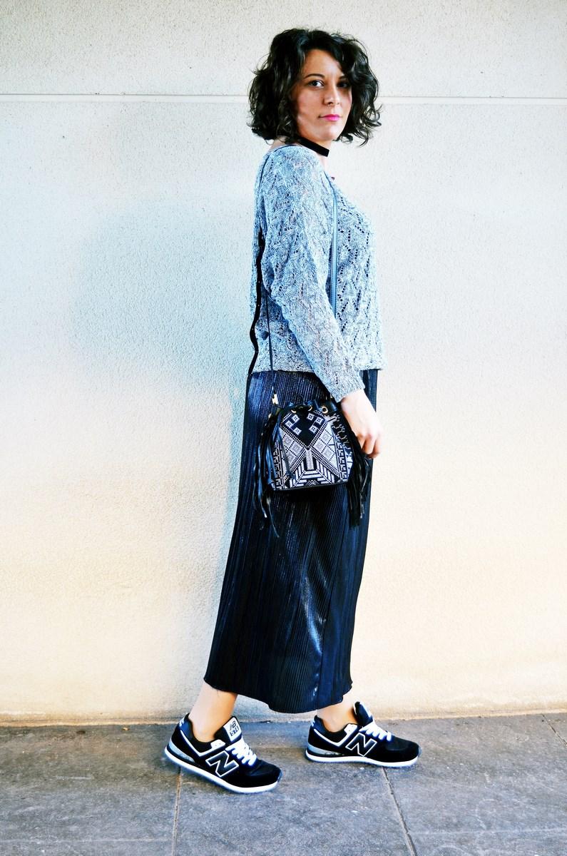 look_faldaplisadametalizadayzapatillas_streetstyle_mivestidoazul_fashionblogger_blogdemoda_castellon_influencer-4