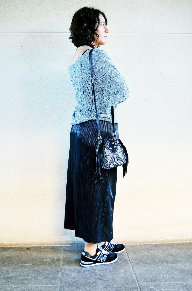 look_faldaplisadametalizadayzapatillas_streetstyle_mivestidoazul_fashionblogger_blogdemoda_castellon_influencer-6