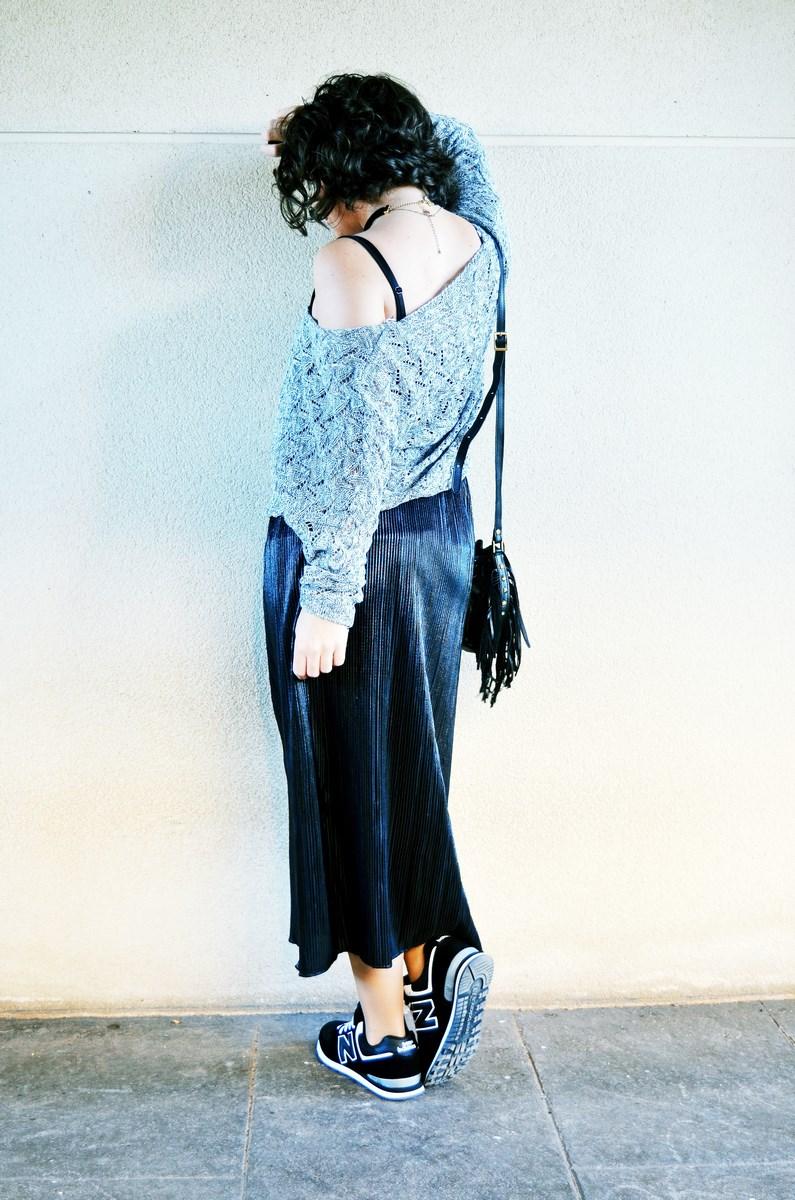 look_faldaplisadametalizadayzapatillas_streetstyle_mivestidoazul_fashionblogger_blogdemoda_castellon_influencer-7